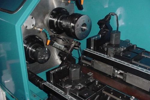 inside-of-Thread-Roll-machine